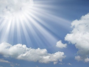 sun-rays-coming-out-of-the-clo